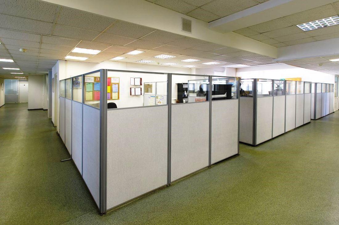 31ba53efc390e38c22ca05721011cc6d - Мобильные офисные перегородки