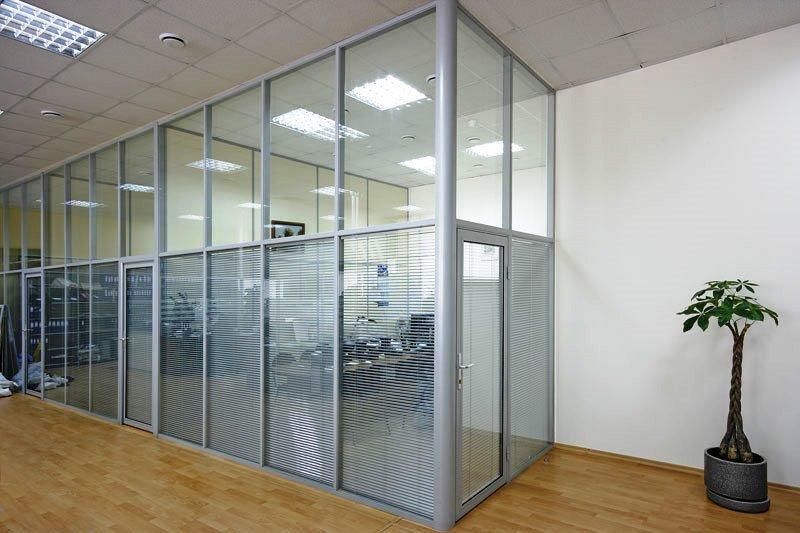 90a000ca1aa6746378378c42a938cc7d - Мобильные офисные перегородки
